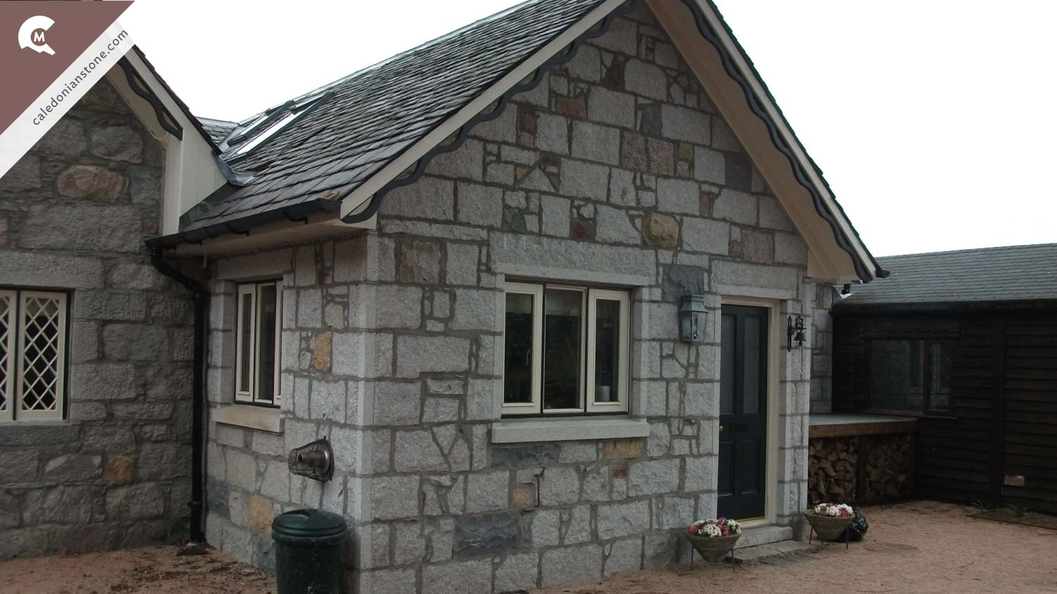 Granite Building Blocks : Balmoral caledonian stone